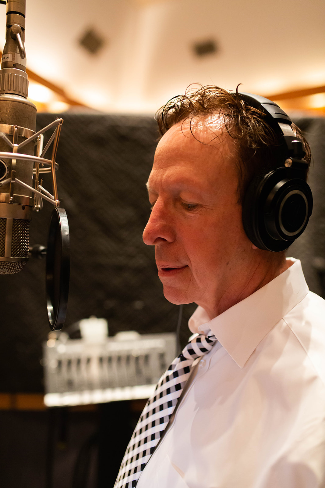 Los Angeles Jazz Music. scene, Sinatra, Sinatra Style Singer Los Angeles, Big Band Vocalist, Mark Downing